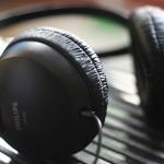 Os 9 melhores estilos de música para ouvir enquanto trabalha