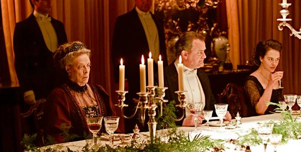 Um dos inúmeros jantares em Downton Abbey